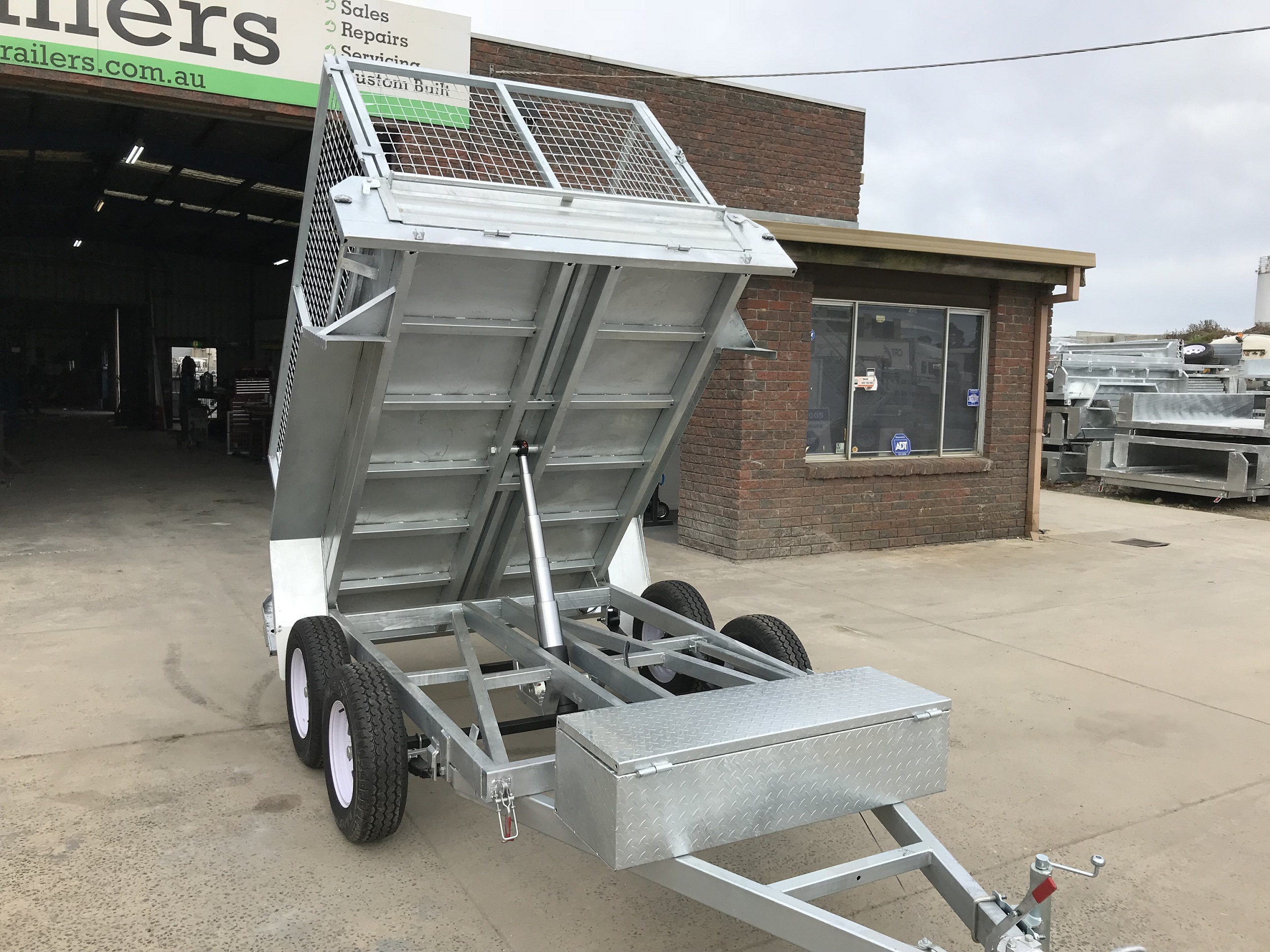 8x5 Hydraulic tandem tipper trailer Galvanised